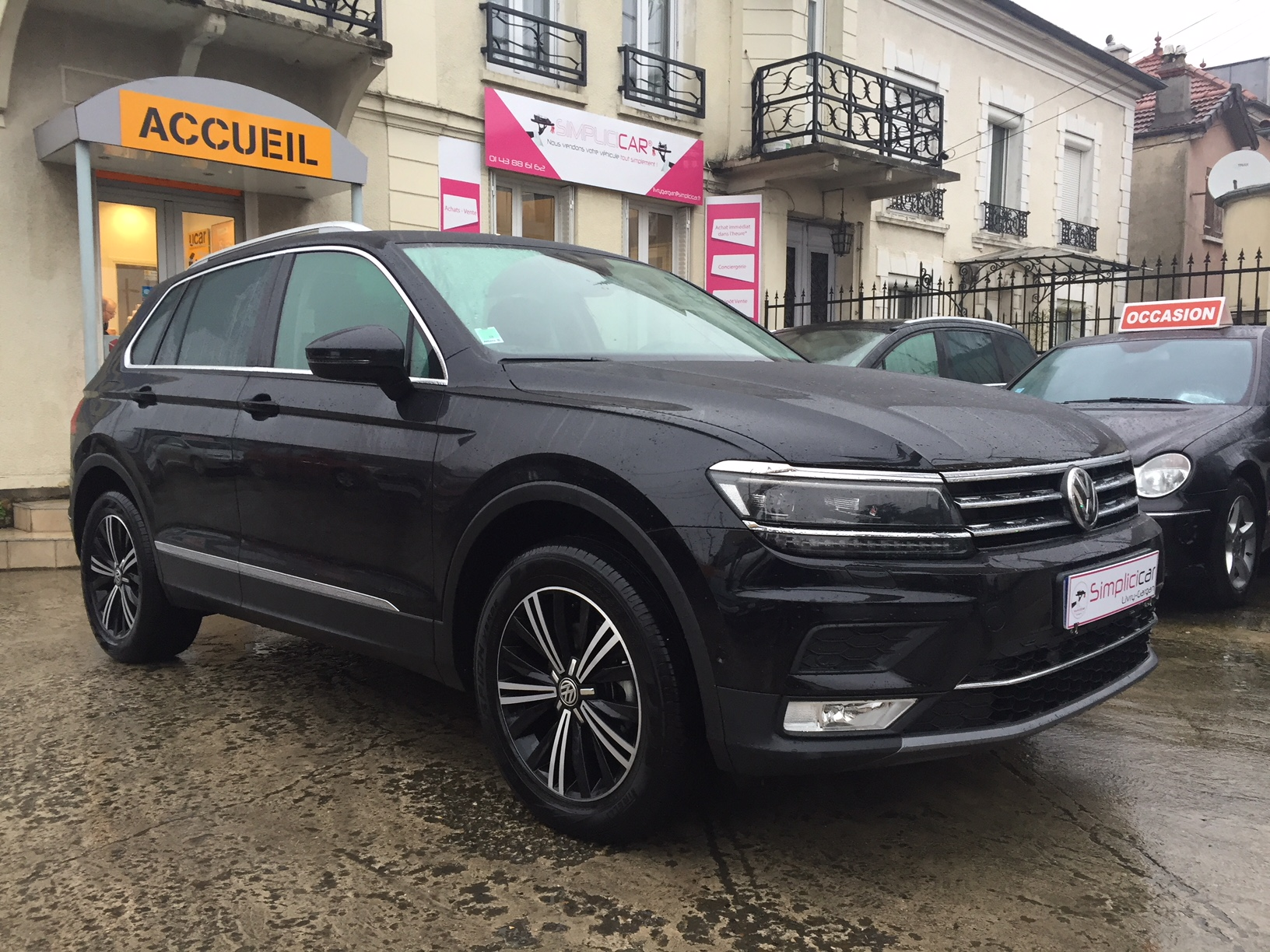 voiture volkswagen tiguan 2 0 tdi 150 bluemotion technology dsg7 4motion carat occasion diesel. Black Bedroom Furniture Sets. Home Design Ideas
